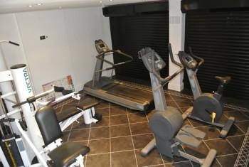 garage to gym conversion in canterburysar property